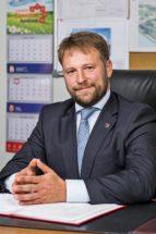 Одним из слагаемых успеха, по словам председателя совета директоров ООО«Саянский бройлер» Владислава Буханова. стала команда профессионалов-единомышленников, объединенных опытом, общими целями и принципами работы.