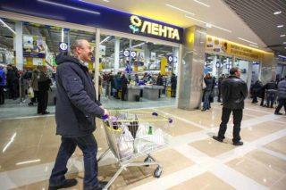 Первый гипермаркет сети «Лента» открылся в Иркутске. В будущем сеть намерена построить в городе еще три — четыре объекта.