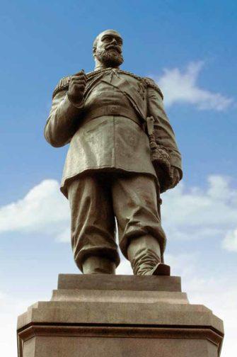 Эпицентром фестиваля станет площадь у памятника Александру III на набережной Иркутска, где разместится главная сцена.