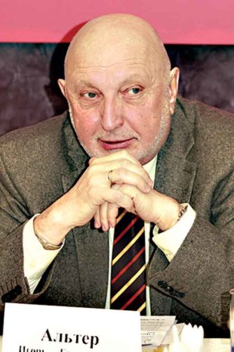 Ведущий «Экспертного совета», журналист Игорь Альтер