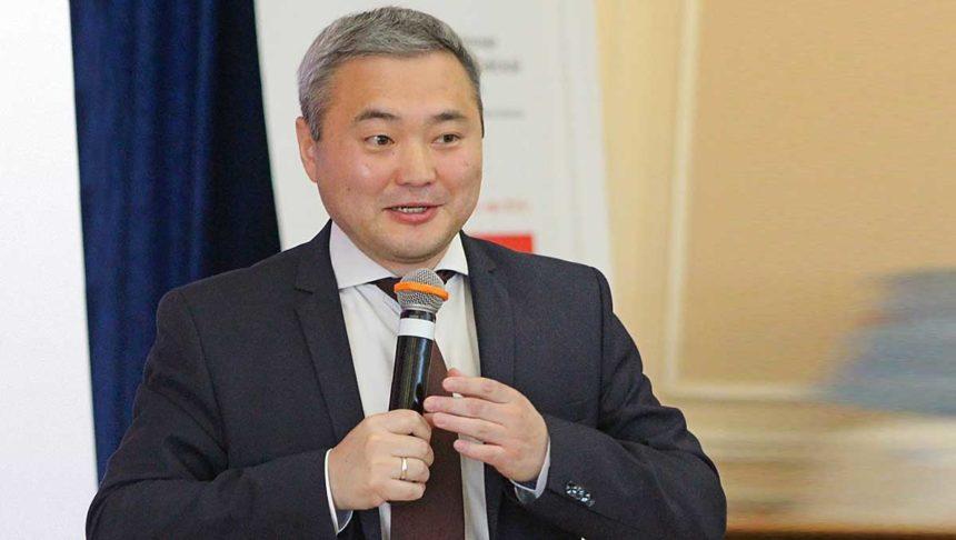 Министр экономики Бурятии Александр Бардалеев