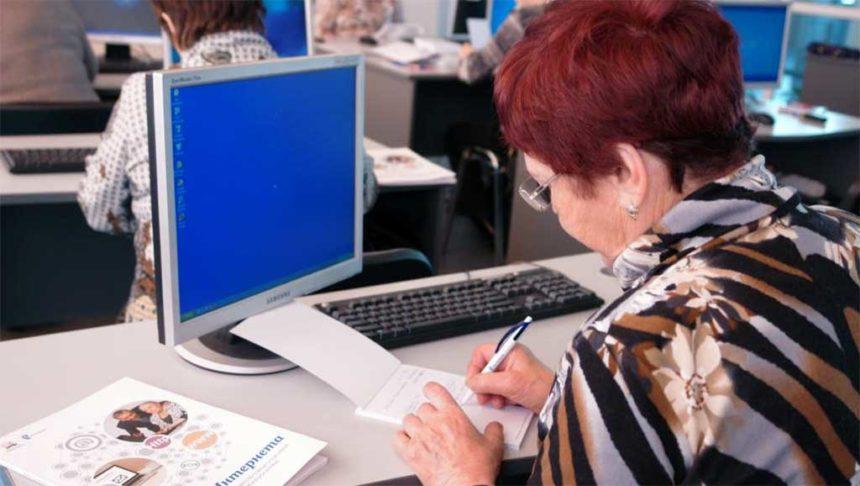 Ростелеком в Иркутске обучил пенсионеров компьютерной грамотности