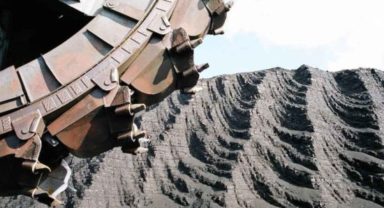За незаконную добычу угля