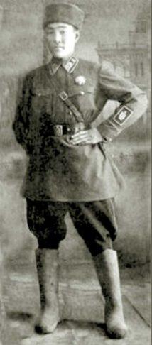 Фельдшер и переводчик 15-го кавалерийского полка 6-й дивизии Л.Шаравдорж