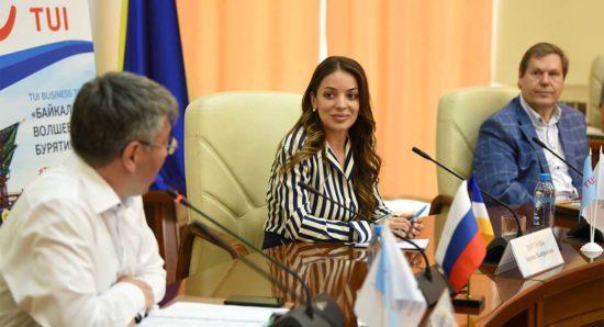 Зарина Догузова и Алексей Цыденов
